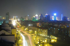 Xining (Ausgangsort unserer Reise) bei Nacht.