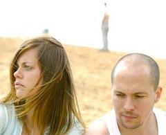 Elzemarieke de Vos und David Ruland auf dem Ankündigungsbild zu der Inszenierung 'Dingos'