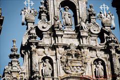 Santiago, Kathedrale: Jakobus als Pilger