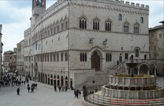 Perugia, Fontana Maggiore, Palazzo dei Priori