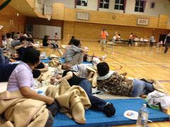 避難所の体育館の様子