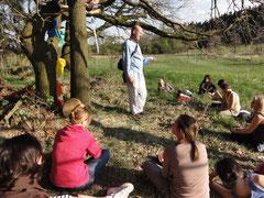 Transpersonální dílna v posvátném lese v Babčicích, patřícím Jiřímu, nedaleko Tábora, v Jižních Čechách