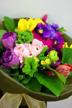 春らしいお花を使います!