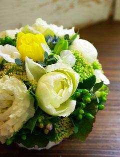 体験レッスン(生花)の作品。お花は日替わりです