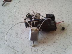 engellere çarptığında yön değiştiren robot