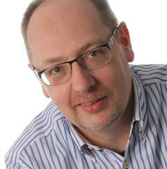 Zahnarzt Hans-Georg Stromeyer berät Sie zum Thema Implantate und beantwortet Ihre Fragen.