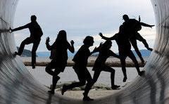 Challenge Team Work Teamwork Herausforderung Gruppenarbeit Leute Bewegung Kraft Unterstützung Gemeinsamkeit Zukunft