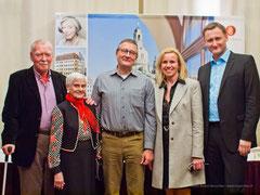 v.l.n.r.: Randy Braumann, Hausbewohnerin, Peter Chemnitz, Ursula Friedsam, Dirk Kohl (Foto: André Henschke)