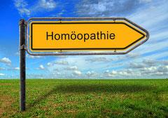 Wegweiserschild Homöopathie