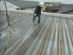 折半屋根高圧洗浄。