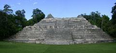 Pirámide maya de Bélice. CC: Dominio público
