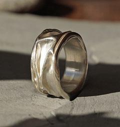 Ehering Trauring Partnerring Verlobungsring Freundschaftsring handgemacht vom Goldschmied