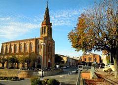 Lafrançaise, l'église et la mairie du 19éme siècle
