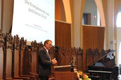 Niedersachsens Energie- und Umweltminister Stefan Wenzel bei der Jahreshauptversammlung der TU Clausthal