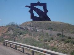 Mudéjar-Symbol an der Autobahn