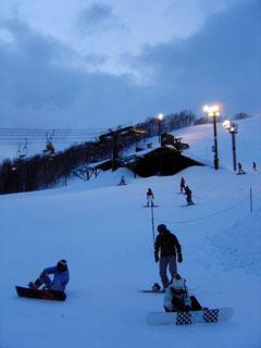 Night skiing at Grand Hirafu