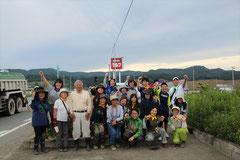フラワーロード陸前高田にて 東京から参加のボランティアの皆さんと