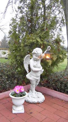L'ange gardien de notre maison veille sur votre repos...