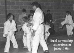 Daniel Morisson dirige un entraînement