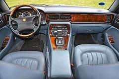 Jaguar X300 Innenraum