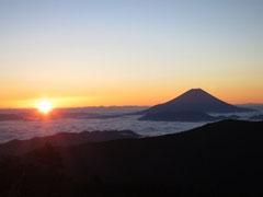 日本で一番高い山は、富士山だが、、