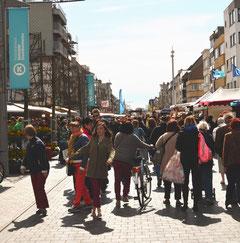Avenue de la mer (Zeelaan), jour de marché