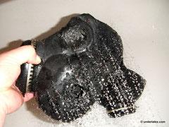 Gasmaske PBF schwarz beim Spülen