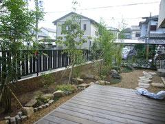奈良県香芝市 造園工事 施工事例 石工事 植栽 ウッドデッキ