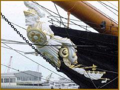 戦士(ウォーリア)の船首像
