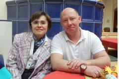 Barbara und Kurt Frühwirth, die zu einem fixen Bestandteil im Leben der BewohnerInnen des SeneCura Sozialzentrums Krems Haus Brunnkirchen geworden sind.  Foto: SeneCura