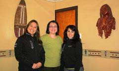 Pamela Soto junto a las representantes de SERNATUR, Andrea Tellez y Rocío Velquen
