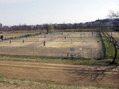 多摩川河川敷テニスコート