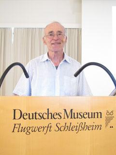 Otto Bürger kurz vor seinem Vortrag am 11.August. Foto: jkob