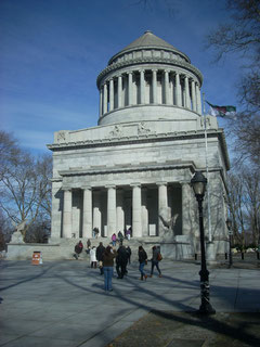 Grant's Tomb is Popular with Visitors
