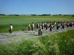 Prozession gen Mauer