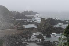 灯台周辺の岩・岩・岩