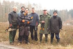 Im Einsatz zum Erhalt des Naturerbes (v.l.): Dirk Tornede, Harald Knickmann, Martin Vogt, Marcus Müller, Günter Ellerbrok und Dieter Kelle