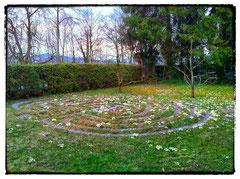 """Labyrinth im Garten des """"aki"""" in Bern"""