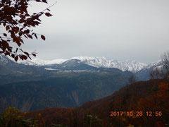 すっかり雪景色。大日平、大日立山方面。