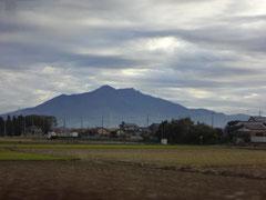 双耳峰の筑波山。