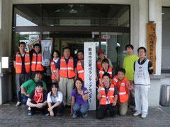 菊池市災害ボランティアセンターの皆さんと6名のボランティア