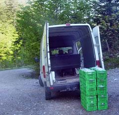 mit dem Sprinter geht es zum Kühl-LKW und von dort zur Packstation