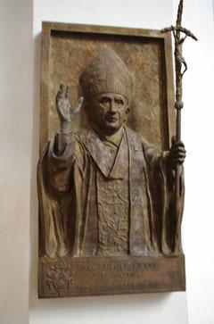 Bronze-Relief Papst Benedikt XVI.