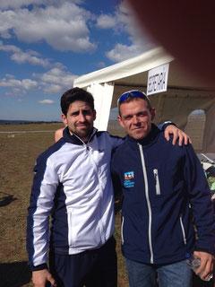 José Reyes, a la derecha, y Manuel Serano, tras el esfuerzo realizado.