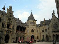 Schloss Marienburg, Innenhof