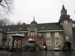 Schloss Mühlenburg, Innenhof
