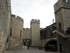 Tower of London, Water Lane mit St Thomas Tower, Traitor´s Gate, Wakefield Tower und Bloody Tower