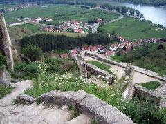 Burg Dürnstein, Blick von der Hauptburg auf das Vorwerk