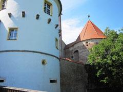 Schloss Wörth, Haupttor