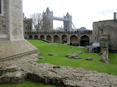 Tower of London, Wakefield Tower und inmost ward mit Resten des Coldharbour Gate und der Main Guard Wall